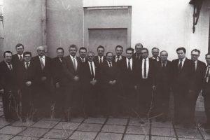Фотография первых членов Инженерной академии СССР после избрания 24 марта 1990 года